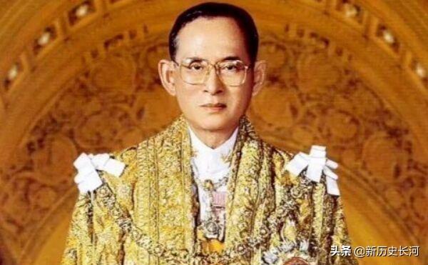 現代史上唯一的大帝:在位長達七十年,他的離世讓該國人痛哭不止
