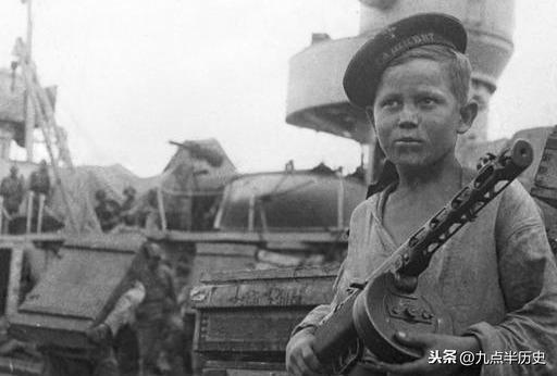 戰爭打光了男人:此國每天損失上萬人,戰后村村有寡婦