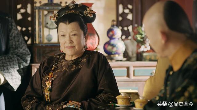 乾隆廢除第二任皇后,僅因皇后斷了幾根頭發?沒那么簡單