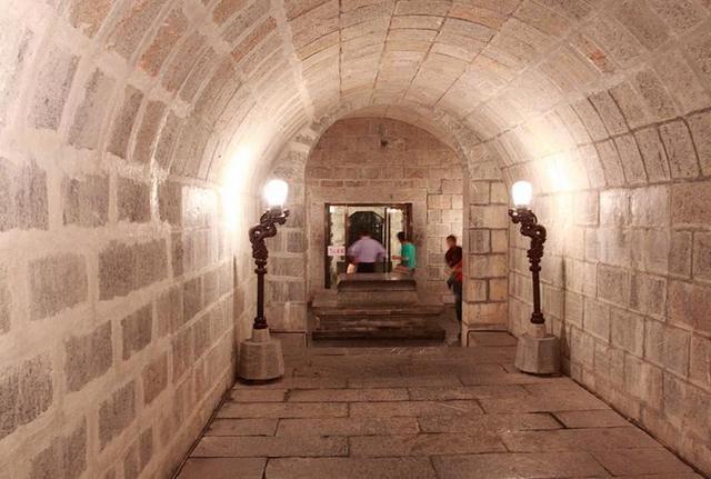 為防盜,包拯死后21口棺材同時出城門,考古發掘時發現遺骸被打碎