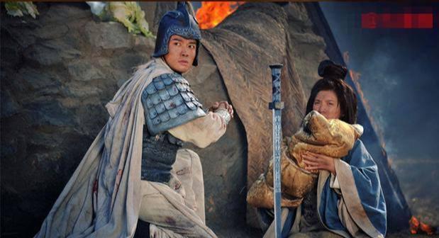 當劉備老婆真可憐!不僅被他隨意丟棄,還要被搶來搶去!