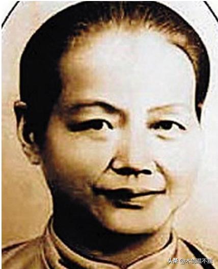 她是陳獨秀最為尊重的貧民窟妻子,卻在婚后兩年才知丈夫身份