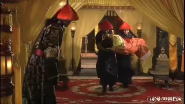 為什么清代妃子都是被被子包起來抬進皇帝寢宮的?