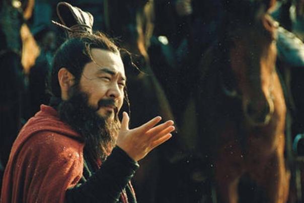 小霸王孫策意外遇刺,孫策之死誰獲利最大,曹操和孫權誰更有動機