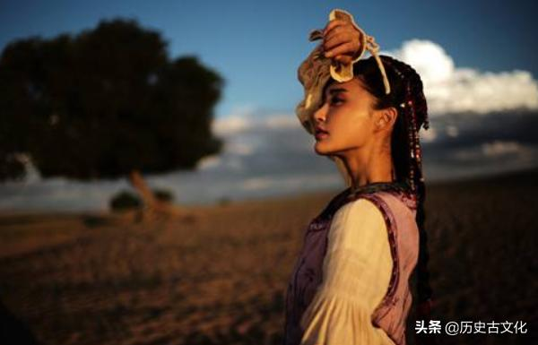 一國不斷挑釁中國,被中國完全征服后,舉國中國化,說漢語穿漢服