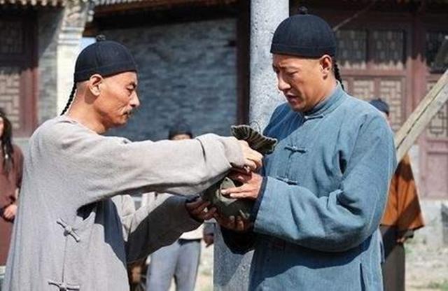 這個人窮苦出身,以一根扁擔起家,創立的商號在蒙古稱雄2百年