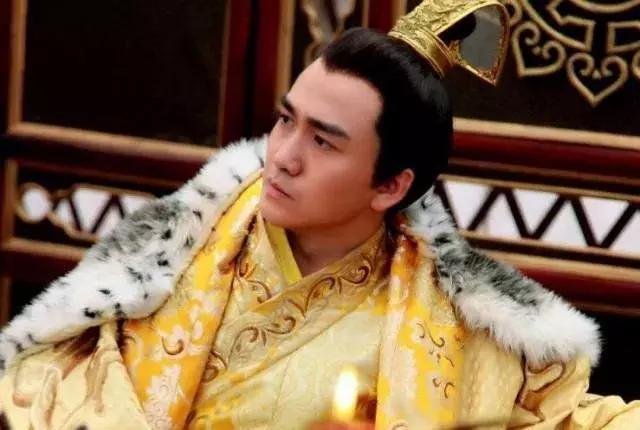 他是古代神秘殺手,殺人無數曾輔佐7位君王,后銷聲匿跡留下謎團