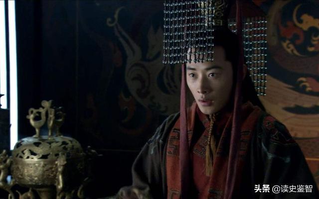 汉献帝一生最牛两句话,一句让曹操汗如雨下,一句被后世耻笑千年
